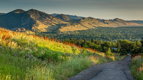 2019 boulder colorado flatiron mountain adventure earlymorning grass green landscape outdoor path road sunbeam sunrise trail trees yellow