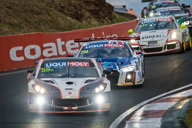 Ginetta - Through The Esses
