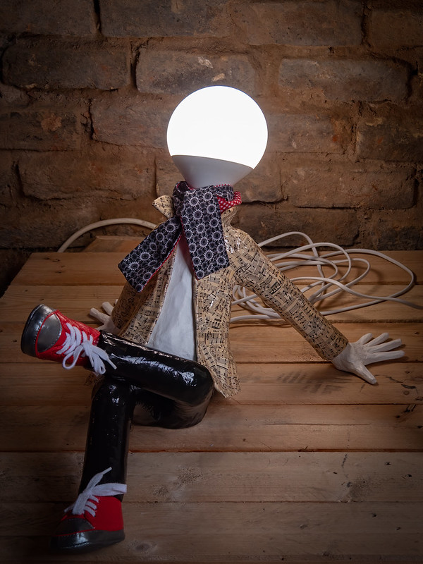 Des idées lumineuses... 48335212076_d26e1978fb_c