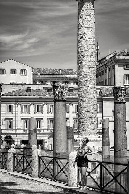 Junto a las hazañas de Trajano