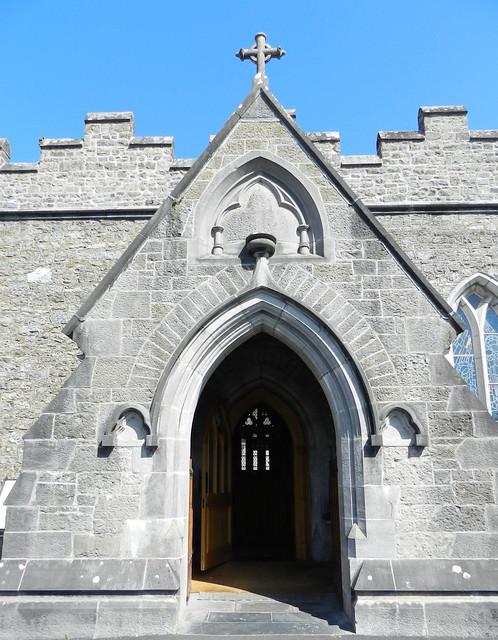 portada sur exterior Iglesia de la abadia Santa Trinidad monasterio trinitario Adare Republica de Irlanda