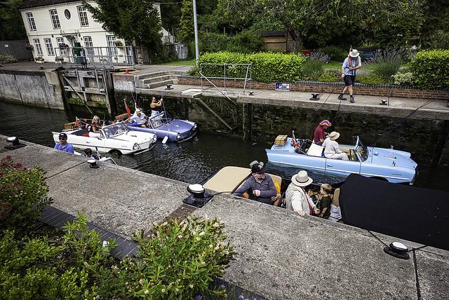 Amphibious cars at Marsh Lock, Henley-on-Thames