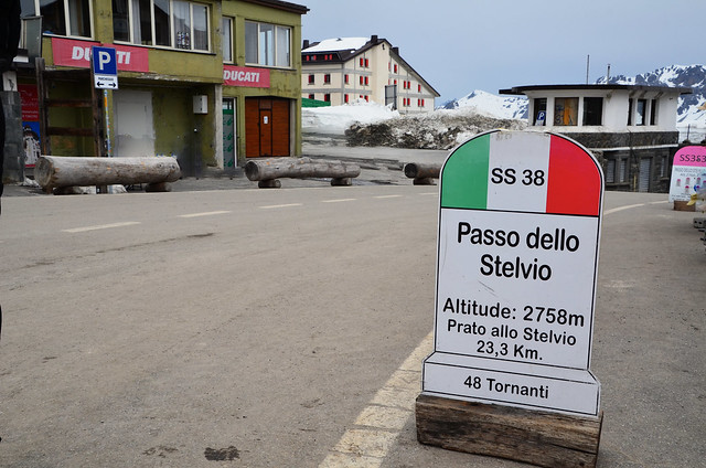 Col de Stelvio (Alt : 2758m) Stelvio Pass