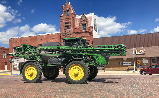 John Deere, Fertilizing Machine