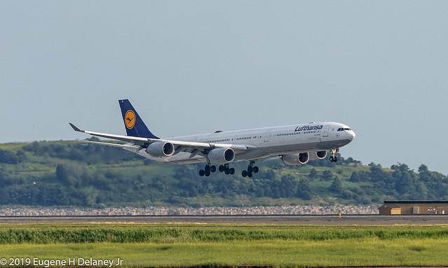 Deutsche Lufthansa AG, Lufthansa German Airlines, D-AIHL, 2004Airbus A340-642, MSN 583