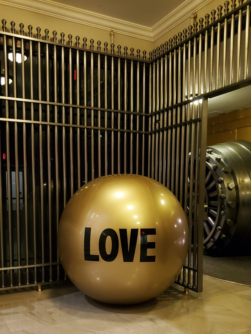 Big Love Ball Gold