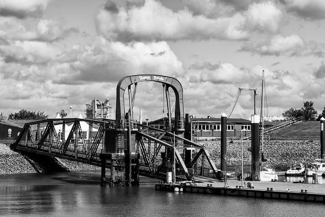 Wilhelmshaven, Nassaubrücke