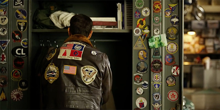 La censura china en 'Top Gun Maverick': así le han cambiado la chaqueta al protagonista