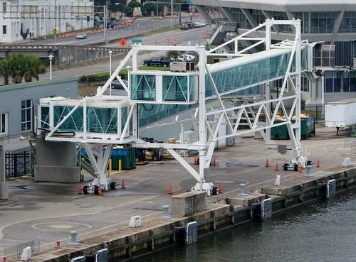 cruising cruise carnivalcruiseline mobile alabama cruiseterminal mobilecruiseterminal