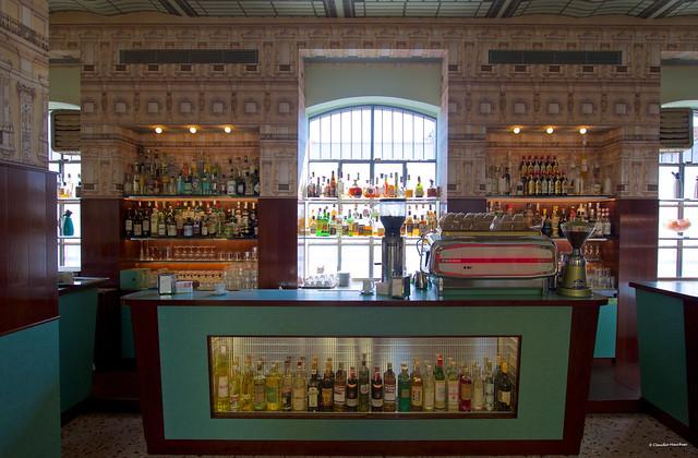 IMGP2798 Prada Bar back in the sixties