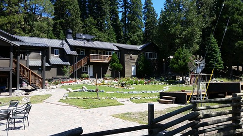Sierra Woods Lodge