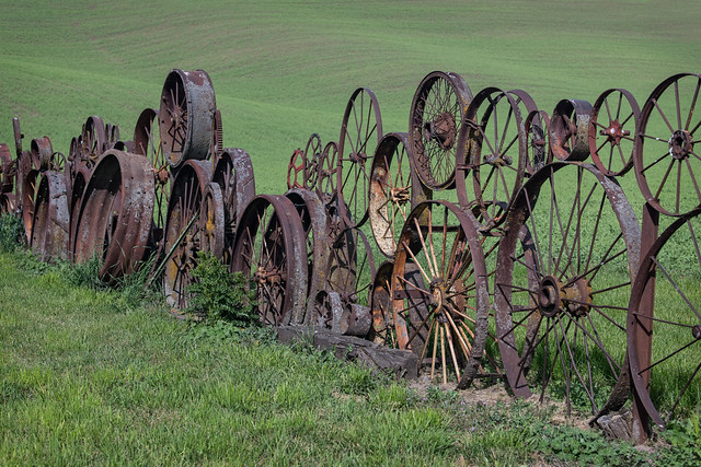 Palouse Wagon Wheel Fence
