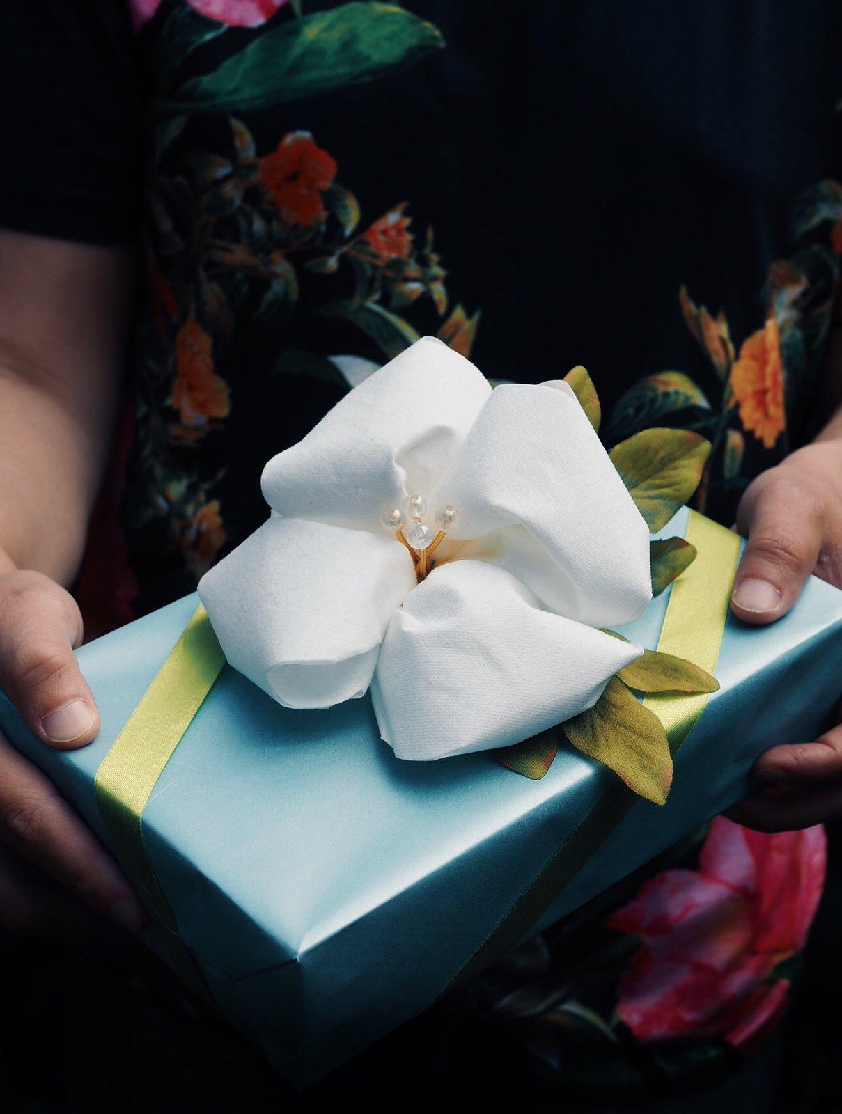 kukka-askartelu-lautasliinasta