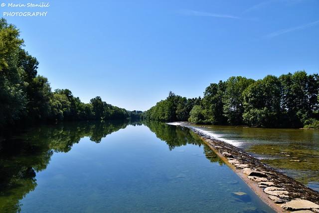 Croatia, Karlovac County, Mala Paka - Standing in the fresh river Kupa