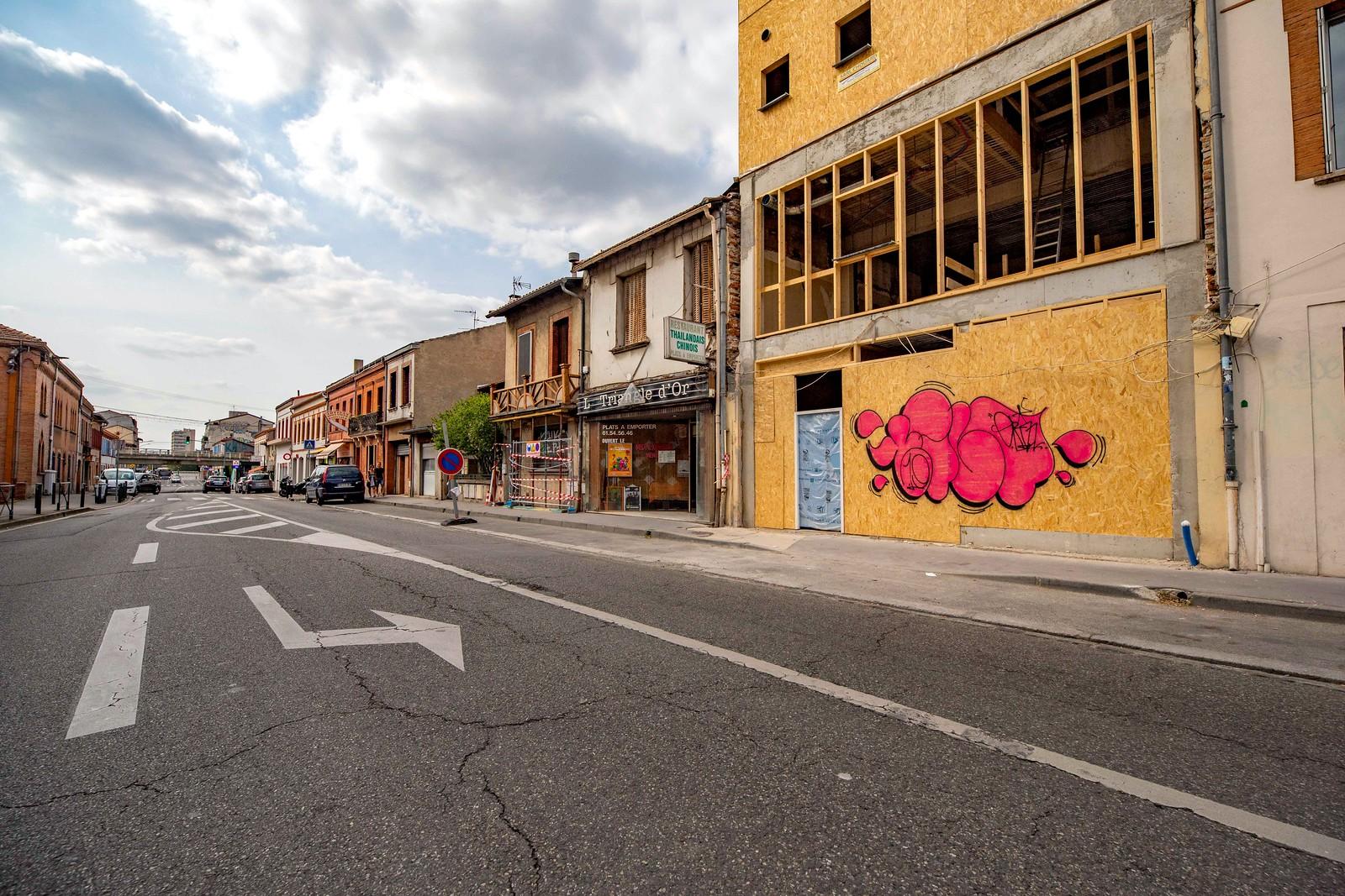 graffiti tilt