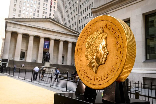 Gold Coin on Wall Street2