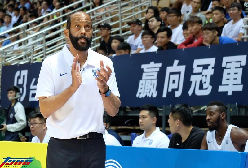 中華男籃總教練 Charlie Parker。(實習攝影林益民攝)