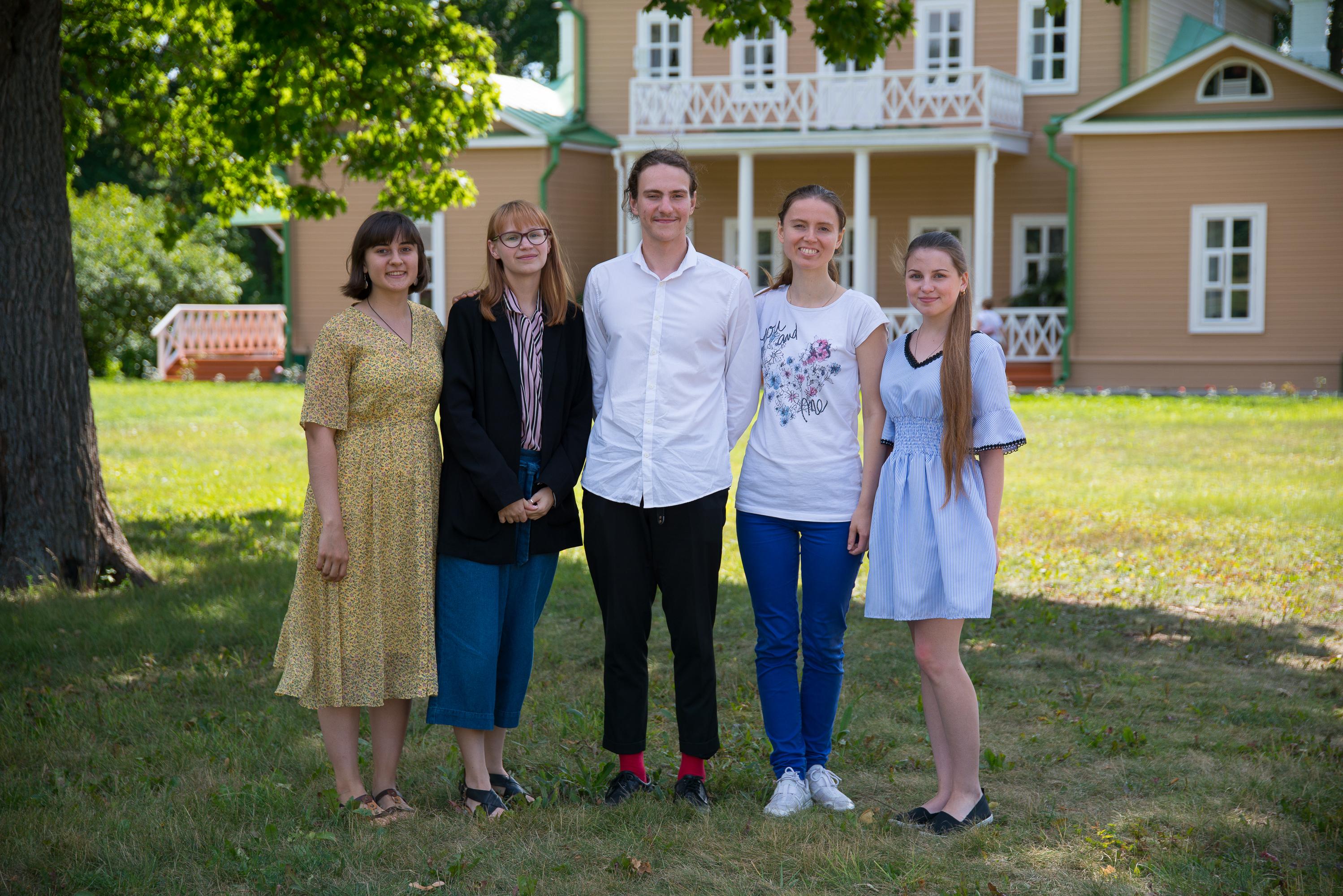 Студенты-филологи Уральского федерального университета на музейной практике в Лермонтовском музее-заповеднике «Тарханы»