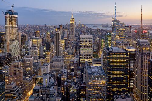 ny nyc newyork newyorkcity skyline empirestatebuilding city cityscape architecture night illumination illuminated downtown skyscraper skyscrapers hdr dri