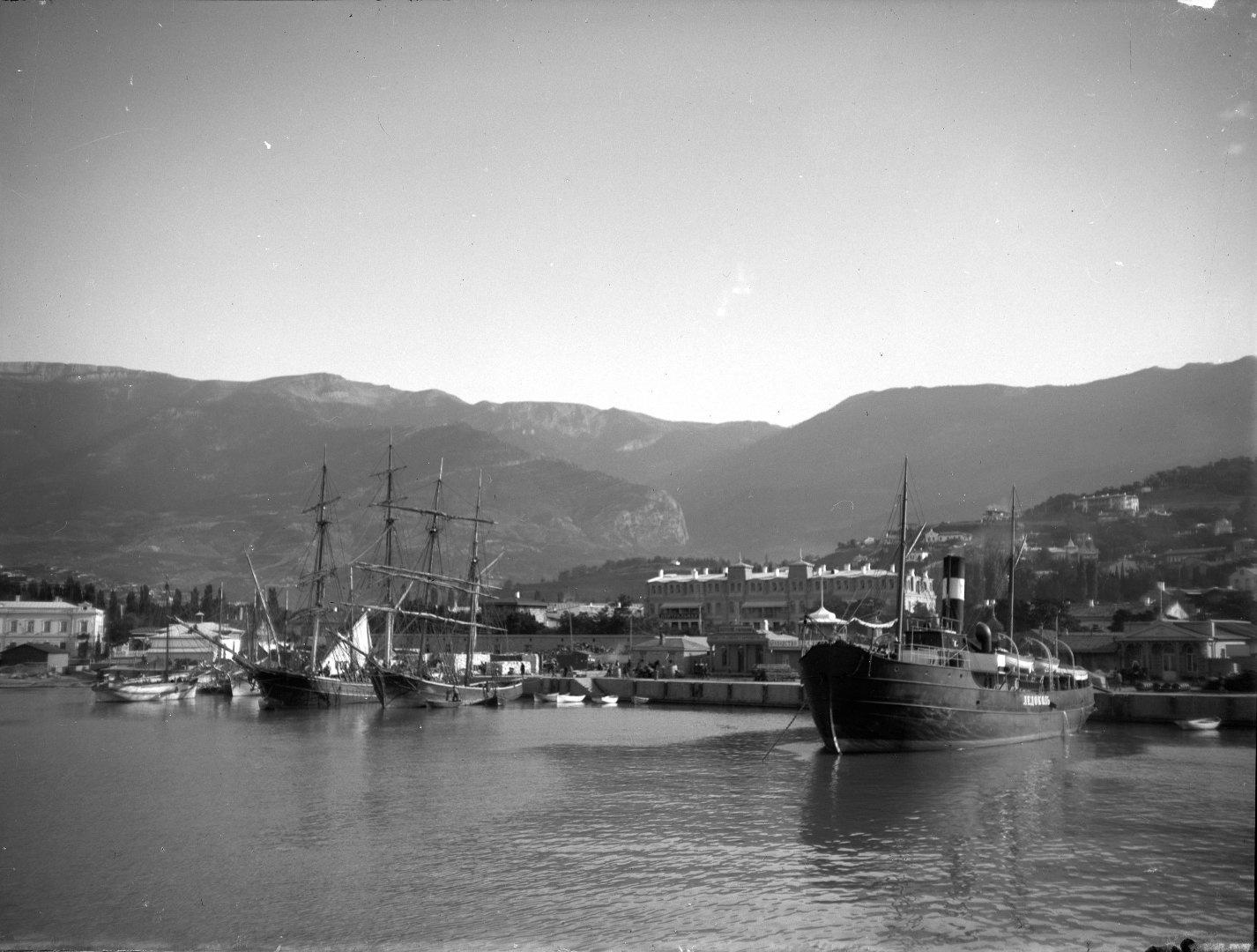 1897. Ялтинский порт