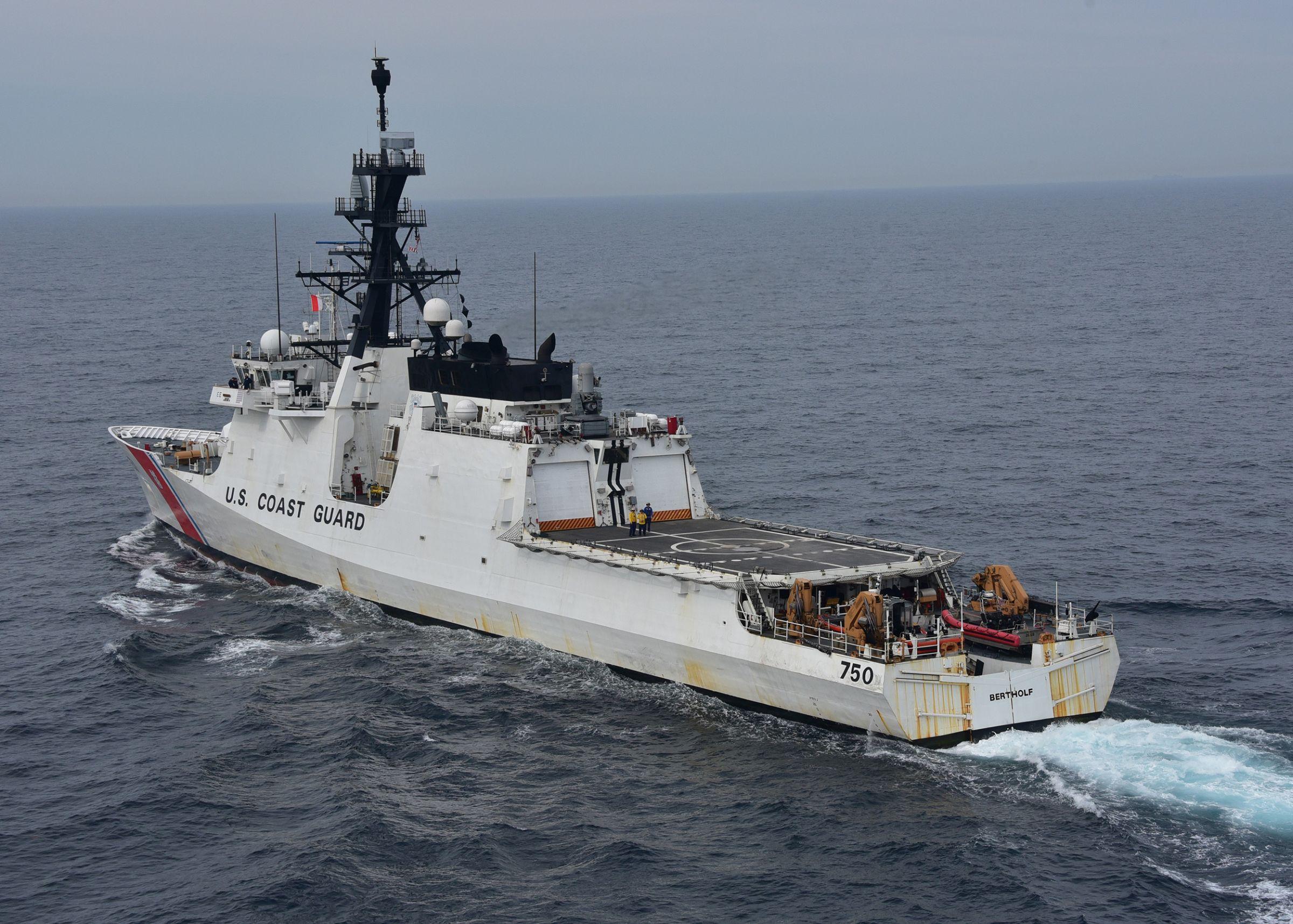 U. S. Coast Guard (garde-côtes des États-Unis) - Page 2 48347481507_8d4edea2b0_o