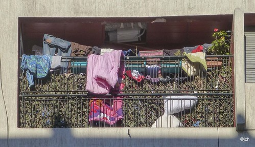 Moroccan laundry 51