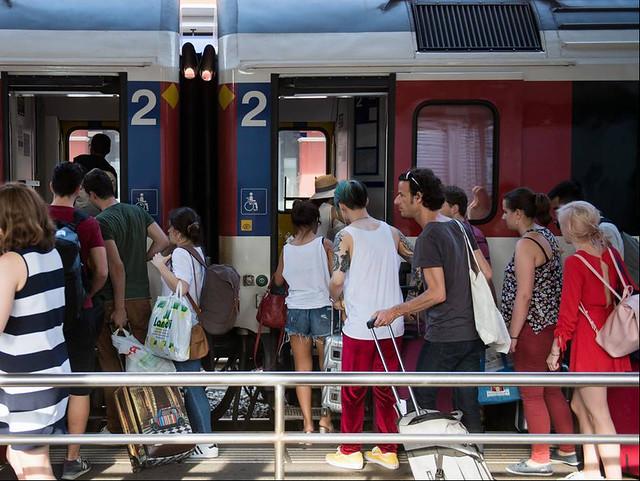Un treno affollato