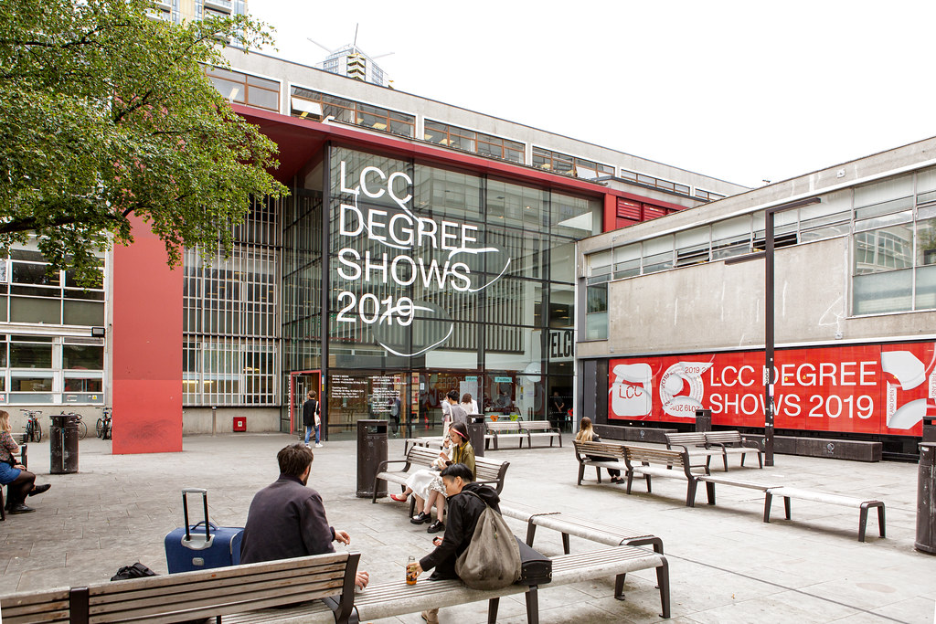 Degree Shows 2019 - signage | Image by Lewis Bush | London College of Communication | Flickr