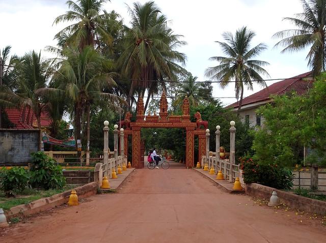 The entrance to Kong Moch Pagoda