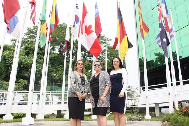 Bandera de Canadá ondea en la Sede del Sistema de la Integración Centroamericana