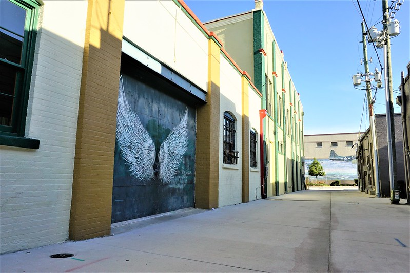 #WingsOfTheWest Mural Trail: #DeLandWings by Artist Erica Group in DeLand, Fla., March 2019