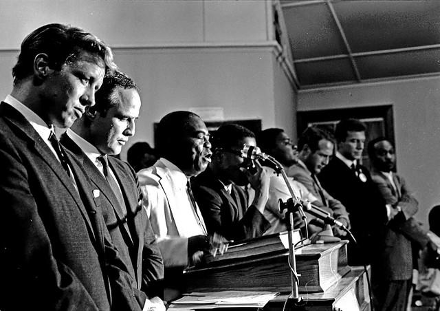 Bill Frye, Marlon Brando, Bishop Walker, Paul Newman, Tony Franciosa - Gadsden 1965