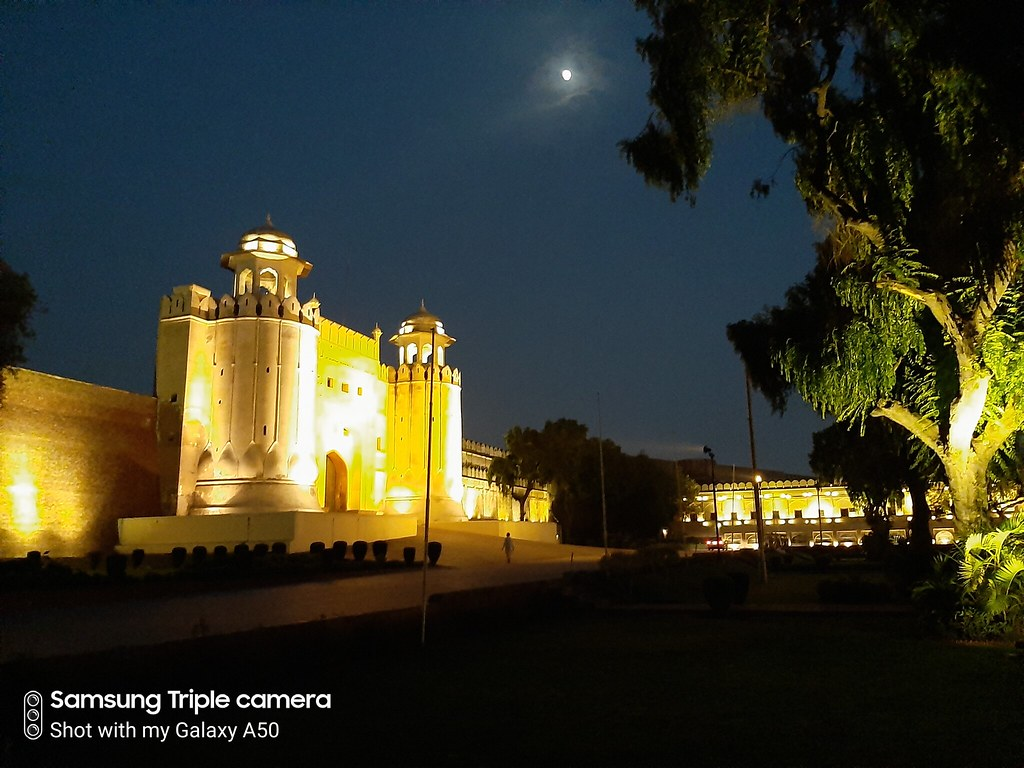 lahore fort mobile photography night mode