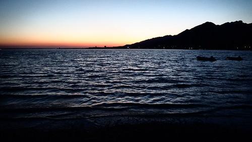 f6284518 sea water meer beach mountains berge paclenica croatia 2019 dawn dämmerung dark dunkel sonset holiday urlaub landscape