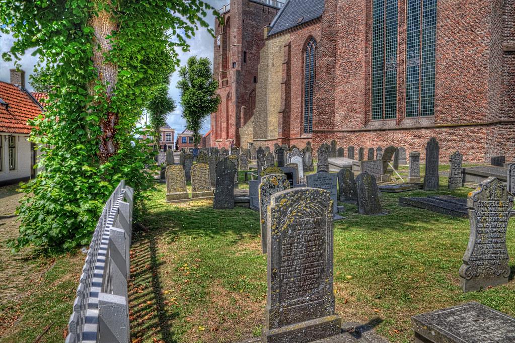 Workum Friesland Holland Sint Gertrudiskerk Kirche/Friedhof
