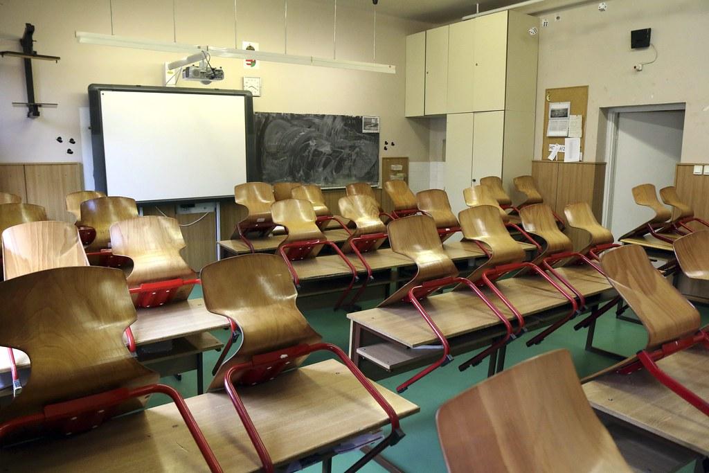Kevés a jelentkező, így tovább könnyítenek az iskolaigazgatók kinevezésén