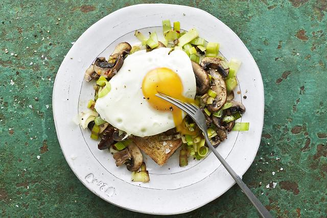 Mushrooms, Leeks & Eggs on Toast