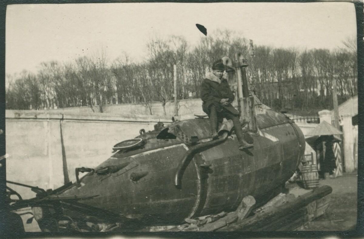 22. Старая подводная лодка