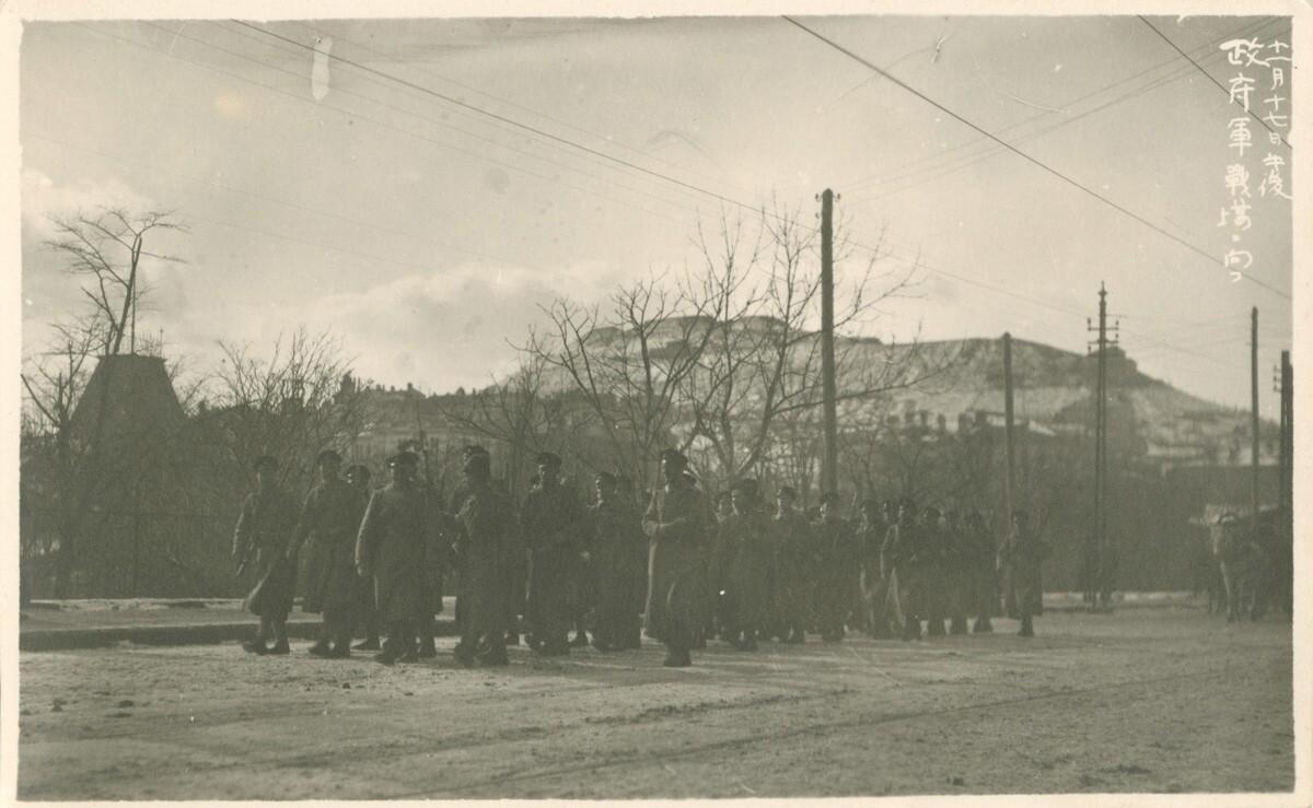 16. Группа русских солдат