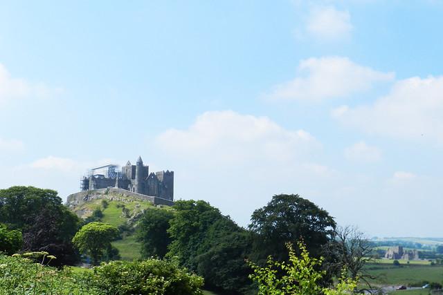 vista panoramica Castillo Roca o Rock of Cashel Republica de Irlanda 01