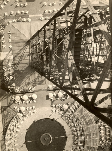 László Moholy-Nagy, Funkturm Berlin, 1928.