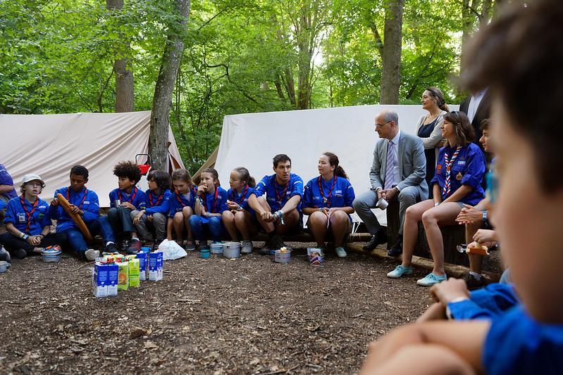 Jean-Michel Blanquer à la rencontre de 20 000 jeunes rassemblés par le scoutisme français