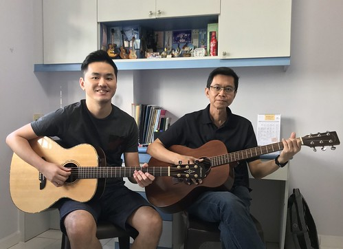 Adult guitar lessons Singapore Rong Hui
