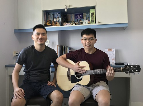 Private guitar lessons Singapore Song Guan