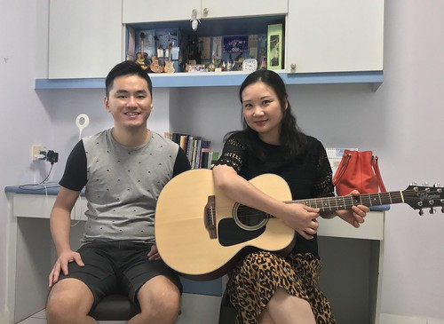 Guitar lessons Singapore Betty