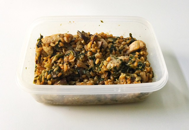 Green spelt risotto with mushrooms, spinach & chicken - remainings / Grünkern-Risotto mit Champignons, Spinat & Hähnchen - Resteverbrauch