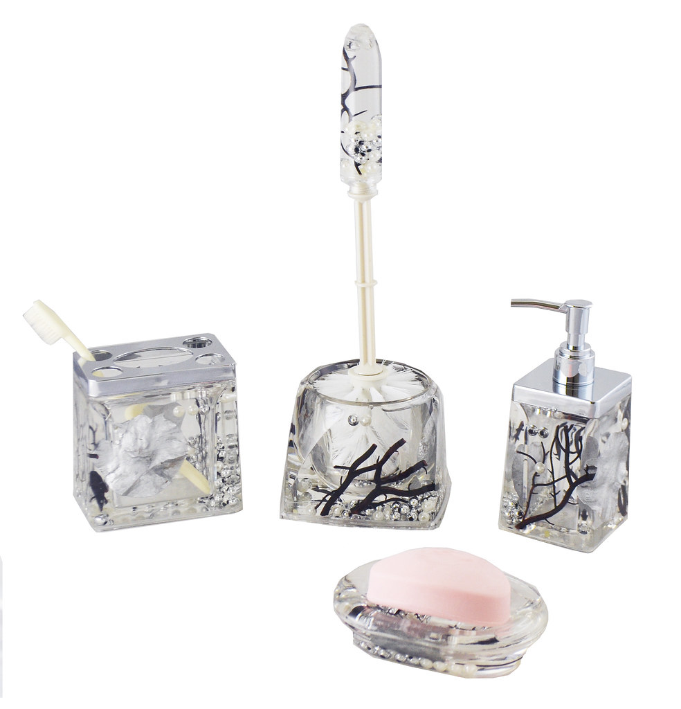 Silver Pearls & Leaves Bathroom Set