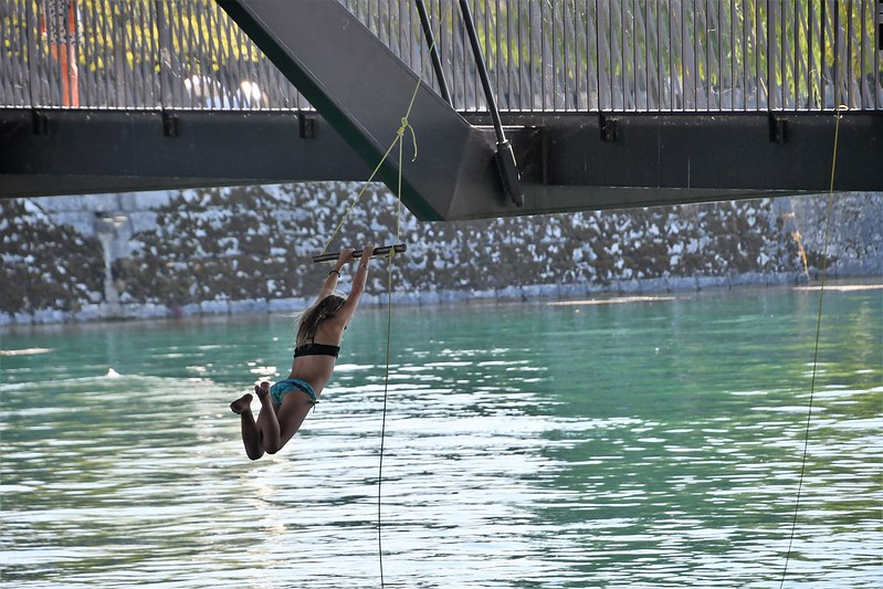 Jumping in the River Aare 23.07 (4)