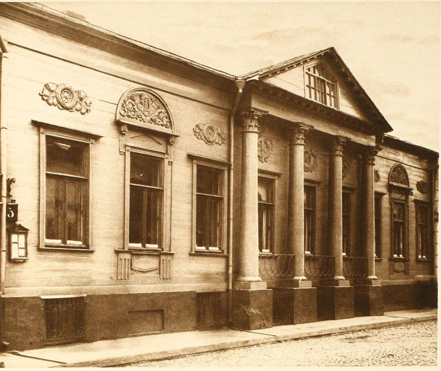 09. Деревянный дом в Сытинском переулке