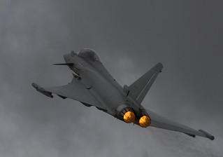 Eurofighter F-2000 Typhoon